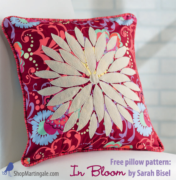 Free pillow pattern - In Bloom pillow