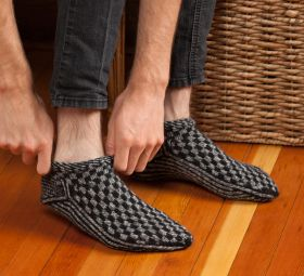 Martingale - Knitting Scandinavian Slippers and Socks eBook