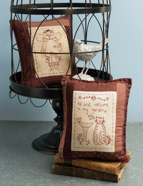 Martingale - Lynette's Best-Loved Stitcheries